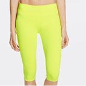 Fabletics neon yellow crop legging